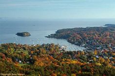 With just a short hike or drive to the top, Mount Battie in Camden is a fantastic way to experience the beauty of Maine's fall foliage.http://bit.ly/1xeYhuI