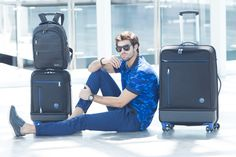Vélez for Leather Lovers Juan Betancourt, Hot Guys, Mens Fashion, Pure Products, Day, Instagram Posts, Leather, Travel Items, Suitcases