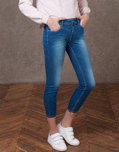Front yoke ankle grazer jeans