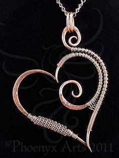 Hammered Copper Heart Pendant & Chain by nalisa Heart Jewelry, Jewelry Art, Beaded Jewelry, Jewlery, Heart Earrings, Bijoux Design, Schmuck Design, Wire Pendant, Pendant Jewelry