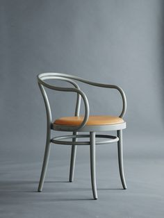 Modern Furniture: What to look for and how to buy – My Life Spot Contemporary Chairs, Modern Chairs, Classic Furniture, Modern Furniture, Nordic Furniture, Küchen Design, Chair Design, Kitchen Chairs, Dining Chairs