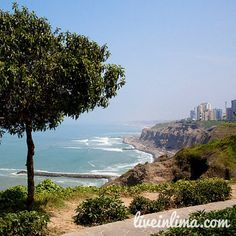 This footpath runs along the coast and goes through several parks in Miraflores #Lima #Peru