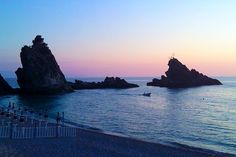 Palmi – Spiaggia della Tonnara http://www.imperatoreblog.it/2013/07/23/le-spiagge-piu-belle-della-calabria-2/ #palmi #calabria #tonnara