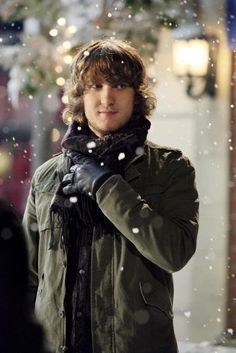 Scott Michael Foster, played Cappy in Greek.