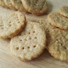BLW-oatcakes-close-up