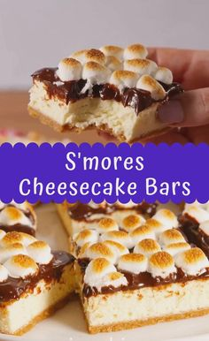 Best Ever S'mores Cheesecake Bars - Maria's Kitchen Smores Cheesecake Recipe, Best Cheesecake, Cheesecake Desserts, Cheesecake Brownies, Mini Desserts, Easy Desserts, Delicious Desserts, Best Easy Dessert Recipes, Blueberry Cheesecake Bars