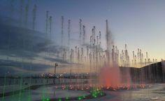Cuando el sol se oculta, el espectáculo con luces empieza en el malecón de #Ensenada Aventura por ifgm08 #Ensenada #Baja #Mexico #BC #visit #city #enjoy #lights #vacation #show #night