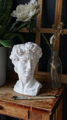 Michelangelo, Statue, Renaissance Art, Vases Decor, Decorative Objects, Dried Flowers, Aesthetic Wallpapers, Decoration, Sweet Home
