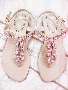 If I liked sandals, I would want these, these are gorgeous.