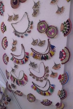 This post was discovered by HU Textile Jewelry, Fabric Jewelry, Diy Jewelry, Jewelery, Crochet Beaded Necklace, Bead Crochet, Crochet Ornaments, Point Lace, Lace Making