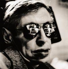 Anton Corbijn. Steven Hawking, Cambridge 1999 Stephen Hawking, Miles Davis, Clint Eastwood, David Bowie, Elvis Presley, Portretfotografie, Modefotografie, Artiesten, Depeche Mode