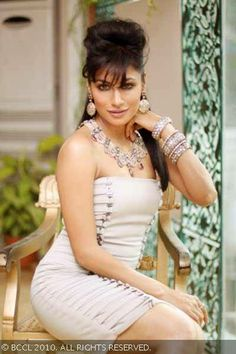 Chitrangada's delicate features blends naturally with Roopa Vora's jewellery creations. Beautiful Girl Indian, Most Beautiful Indian Actress, Beautiful Legs, Indian Bollywood Actress, Indian Actresses, India Beauty, Asian Beauty, Madhuri Dixit Hot, Chitrangada Singh