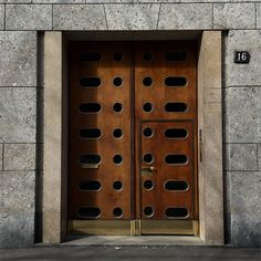 The Sartorialist - Doorway Milan Modern Entrance Door, Door Entryway, Modern Door, Entrance Doors, Doorway, Architectural Features, Architectural Elements, Gate Design, Door Design
