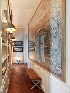 La Madame de Pavilion apartment on Place des Vosges in Paris.... I would love to stay here. Click the link and drool... @Christi Huntsman @Christine Rose Elle