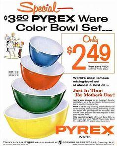 Pyrex vintage - Vintage Home Decor Ad of Vintage Pyrex Nesting Bowls Pyrex Vintage, Vintage Kitchenware, Vintage Dishes, Vintage Glassware, Vintage Bowls, Vintage Cookbooks, Vintage Advertisements, Vintage Ads, Vintage Antiques