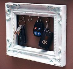 I like this idea, but want a bigger frame for both keys and sunglasses