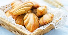 Butterless vanilla madeleines for breakfast in the office: www.fourchette-and … Source by fourchetteb Lorraine, Recipe Cover, Cake & Co, Snack Recipes, Snacks, Pastry Shop, Biscuit Cookies, Food Preparation, Quick Easy Meals