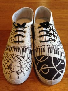RockMySole shop - hand inked musical zentangled shoes