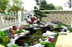 Outdoor Fish Ponds, Ponds Backyard, Backyard Landscaping, Garden Yard Ideas, Garden Pool, Tropical Garden, Small Water Gardens, Fish Pond Gardens, Raised Planter Boxes