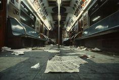 Einen Blick auf ein längst vergangenes New York City, lässt uns TIME-Fotograf Christopher Morris durch seine bisher unveröffentlichte Bilder-Serie aus dem Jahr 1981 werfen.