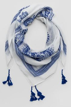 Lilly Square Tassel Scarf
