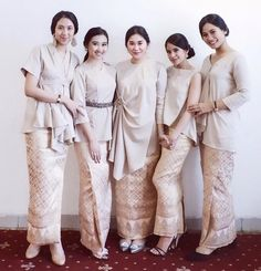 Discover recipes, home ideas, style inspiration and other ideas to try. Kebaya Lace, Kebaya Hijab, Kebaya Brokat, Batik Kebaya, Kebaya Dress, Kebaya Muslim, Batik Dress, Kimono, Batik Fashion