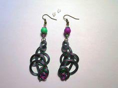 665 - Boucles d'oreilles fil d'aluminium, violet, vert, bronze : Boucles d'oreille par tout-en-boucles