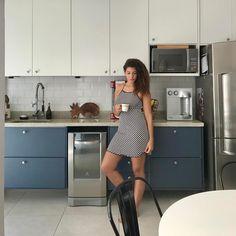 Qndo seu pijama combina com sua casa, da nisso aí 🖤💙! #decoracao #decor#decoraçao#cozinha #cozinhaintegrada #industrialdesign #industrial #industrialdecor #bluehouse #love #lovemyhome #minhacasa #meular #moda#modafeminina #modaintima #lavaloucaelectrolux #brastemp #softstart #style #listrado #listras #metrowhite #cadeiratolix #mesaeiffel @bellabrasildecor #abacaxi #bali #cacheadas #cachos #love @demillusbr