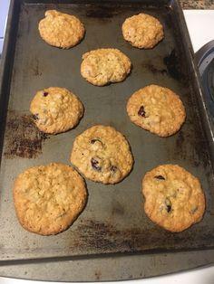 Hannah Swensen, Boggle, Cookies, Desserts, Food, Crack Crackers, Tailgate Desserts, Deserts, Biscuits