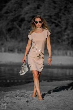 Zon, zee, strand... Deze Odette jurk, een patroonhack van La Maison Victor, past perfect in het thema van de blogchallenge!