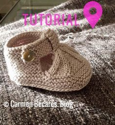 Best 12 New knitting patterns baby dress simple 60 ideas – SkillOfKing. Baby Booties Knitting Pattern, Crochet Baby Shoes, Crochet Baby Booties, Baby Knitting Patterns, Baby Patterns, Knitted Baby, Knitting For Kids, Hand Knitting, Baby Sandals