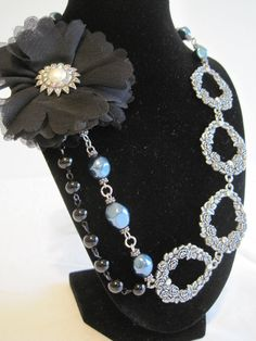 My friend Becca makes the most beautiful jewlery! Chec it out!