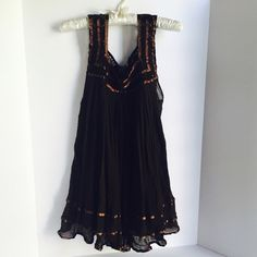 """Jen's Pirate Booty Espresso Brown Gauze Dress /Top Excellent lightly preloved condition. Beautiful ruffled hem. Dark chocolate brown color. Size tag removed, this is a size small. Mid thigh length on me (5'4""""). Jen's Pirate Booty Dresses"""