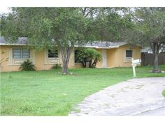 View a virtual tour of 16861 SW 277 ST Homestead, Fl 33031