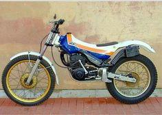Dirt Bike Magazine, Trail Motorcycle, Motos Trial, Trial Bike, Vintage Motocross, Trials, Motorcycles, Spanish, Wheels