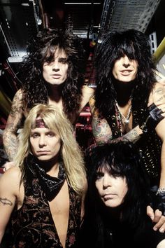 Mötley Crüe. I wanna party with these guys