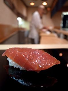 Maguro Nigiri, Tuna Sushi at Sukiyabashi JIRO, Ginza, Tokyo, Japan すきやばし次郎