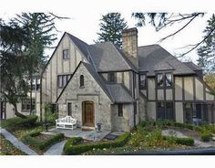 4 Reasons to Love Ann Arbor Tudor-Style Homes