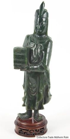 China 20. Jh. Figur A Chinese Spinach Jade Figure of Man  - Chinois Giada Cinese
