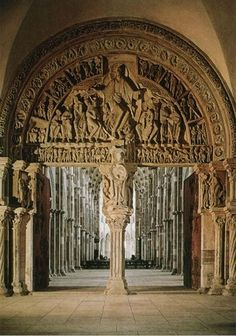 Sculpted tympanum depicting the Ascension of Christ and the Commissioning of the Apostles (Pentecost) above the central portal between the narthex and nave, Sainte-Madeleine, Vezelay, Burgundy,. Architecture Antique, Romanesque Architecture, Church Architecture, Architecture Details, Cathedral Basilica, Cathedral Church, St Mary Magdalene Church, Burgundy France, Romanesque Art