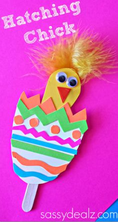 This adorable hatching spring chick craft is so cute and easy! Perfect for preschoolers!