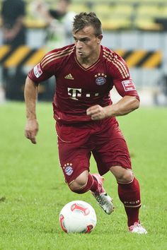 Xherdan Shaqiri Photos - FC Bayern Munchen v Raja Casablanca - FIFA Club World Cup Final - Zimbio