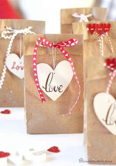 Diy valentine& day gifts : love - easy valentine& day f Valentines Decoration, Valentines Day Party, Valentine Day Crafts, Be My Valentine, Saint Valentin Diy, Valentines Bricolage, Diy Love, Diy And Crafts Sewing, Craft Wedding