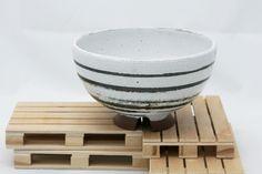 Chawan, 茶碗. Bol en gres esmaltado. Ceremonia del te. Stoneware glazed bowl. Tea ceremony de KamiBarcelona en Etsy Wabi Sabi, Ceramic Workshop, Chawan, Tea Ceremony, Bowl, Stoneware, Glaze, Barcelona, Pottery