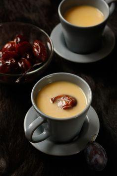 Vanillepunsch mit Zwetschken I © GUSTO / Theresa Schrems I www.gusto.at