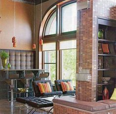 I have always been fascinated with idea of converting a warehouse or former commercial building into a living space. I LOVE old brick buildings :-)