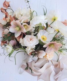 40 ideas flowers bouquet floral arrangements ranunculus for 2019 Spring Wedding Flowers, Floral Wedding, Wedding Colors, Trendy Wedding, Boquette Wedding, Wedding Ideas, Spring Blooms, Bridal Flowers, Wedding Inspiration