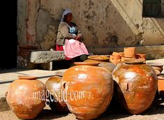 Mercado de vasijas de barro  Bolivia