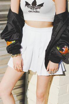 Sporty chic - tennis skirt & crop top