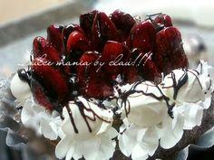 Torta brownies ,con dulce de leche crema y frutillas.